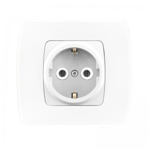 Socket outlet with earthing contact (plastic body)